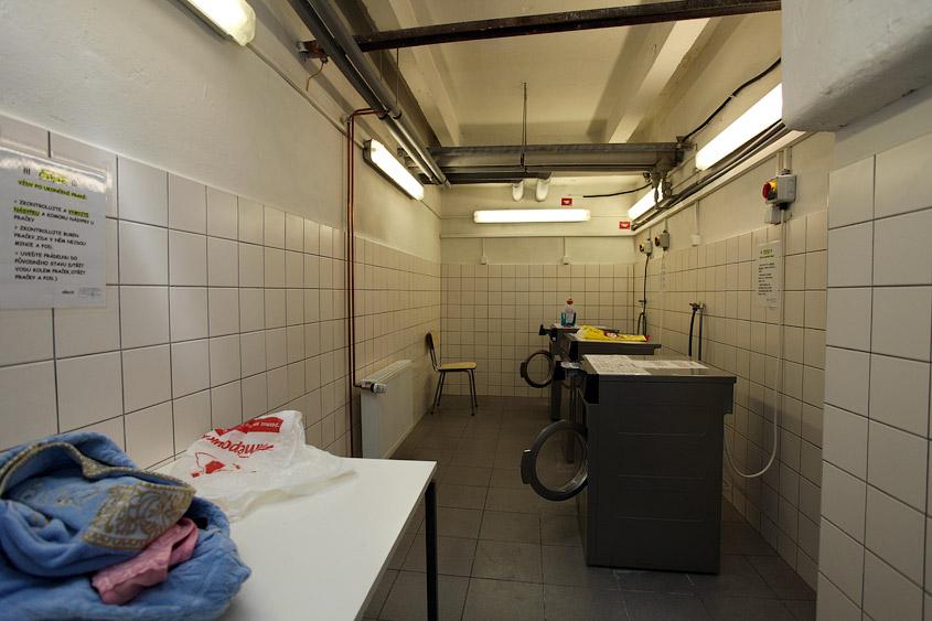 Стиральные машины, прачечная в общежитии Орлик Чешского технического университета в Праге (Чехия)